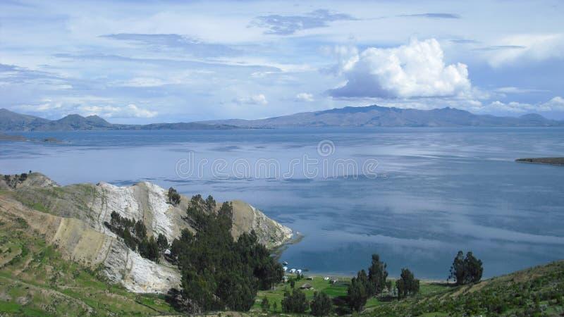 山和湖风景 免版税库存照片