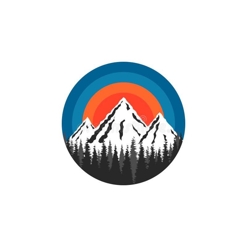 山商标圆形、积雪覆盖的峰顶岩石和云杉的森林风景在太阳日落背景,旅游小册子 向量例证