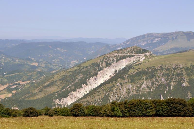 山在亚平宁山脉 免版税库存照片