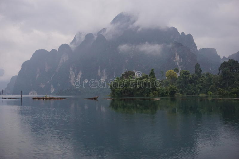 山在晁Lan水坝 库存图片