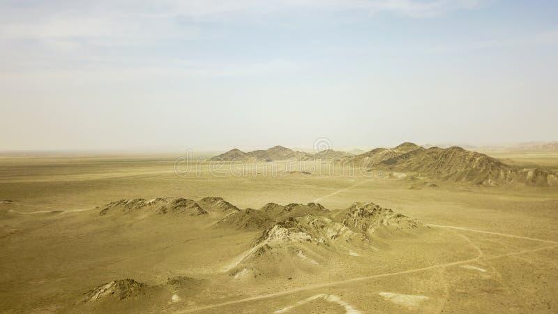 山在沙漠是黄色的 图库摄影