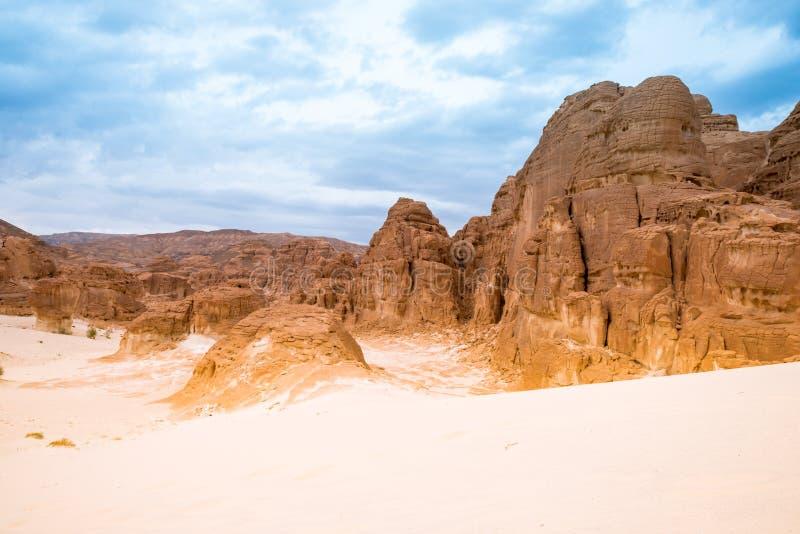 山在西奈沙漠埃及 图库摄影