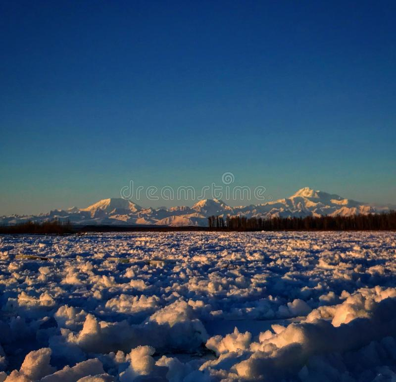 山在阿拉斯加 库存照片