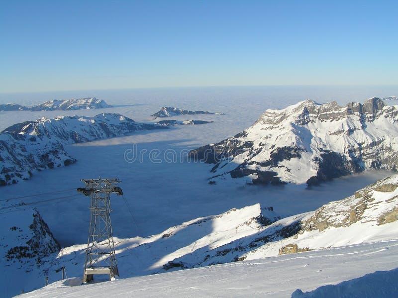 山多雪的瑞士 免版税库存图片