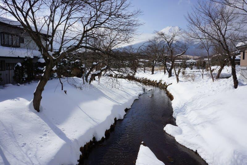 山小河,日本 库存图片