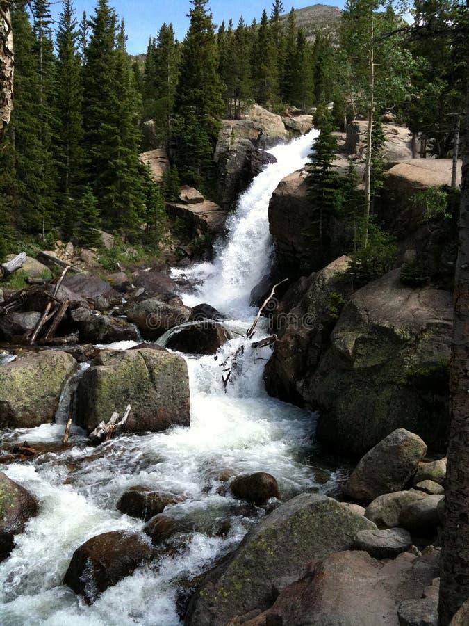 山岩石瀑布 库存图片