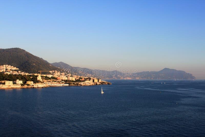 山岸的风景看法 genova意大利 免版税库存照片