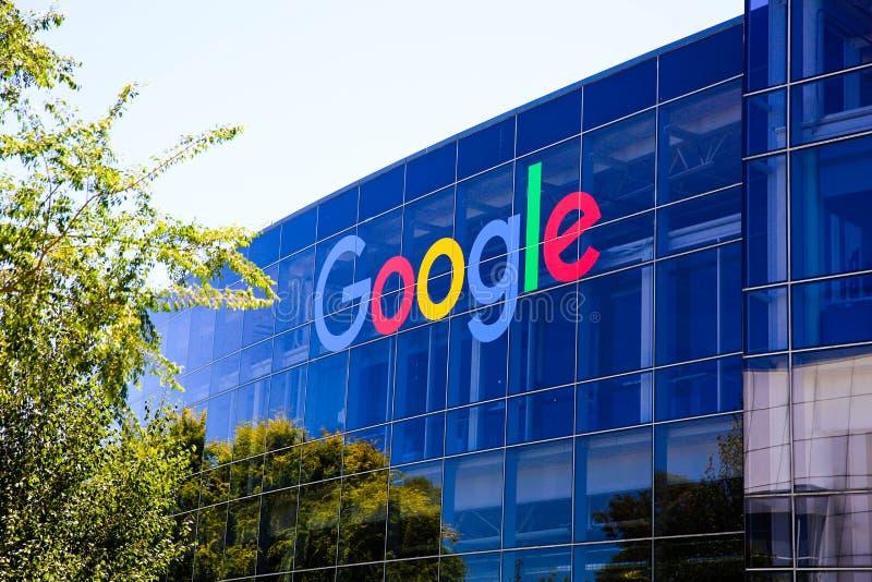 山景城,CA/USA - 2018年5月21日:Googleplex大厦,谷歌公司总部复合体的外视图和它 免版税库存图片