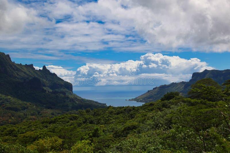 山景, Moorea海岛,塔希提岛,法属波利尼西亚,接近博拉博拉岛 免版税库存照片