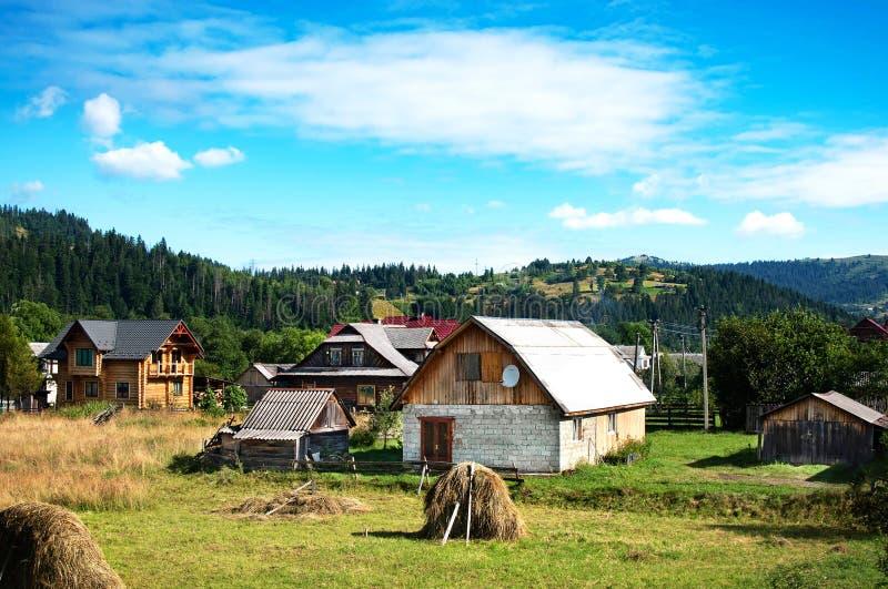 山村春色秀丽 喀尔巴阡山脉 库存图片