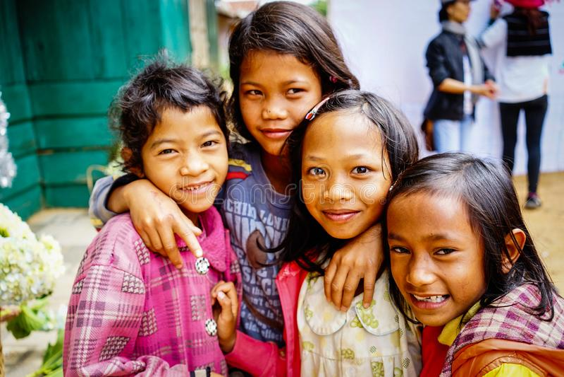 山村的种族孩子 免版税库存图片