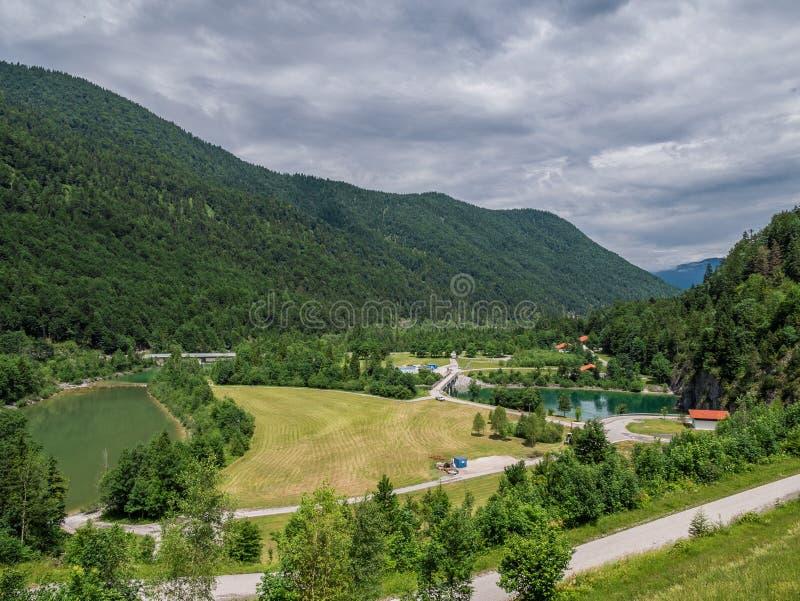 山湖Sylvenstein湖在巴伐利亚,德国 免版税库存图片
