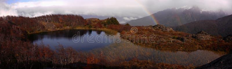 山的一个盐水湖 图库摄影
