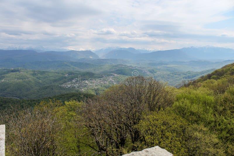 山的全景 库存图片
