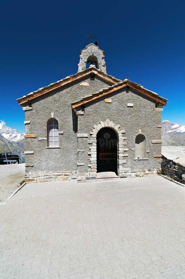 山的小石教会 免版税库存照片