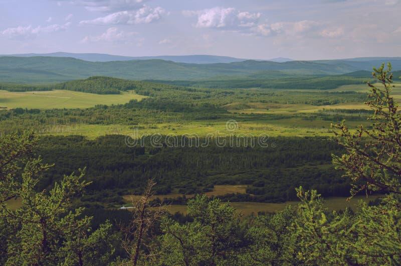 从山的松弛看法,英国风景 免版税库存图片
