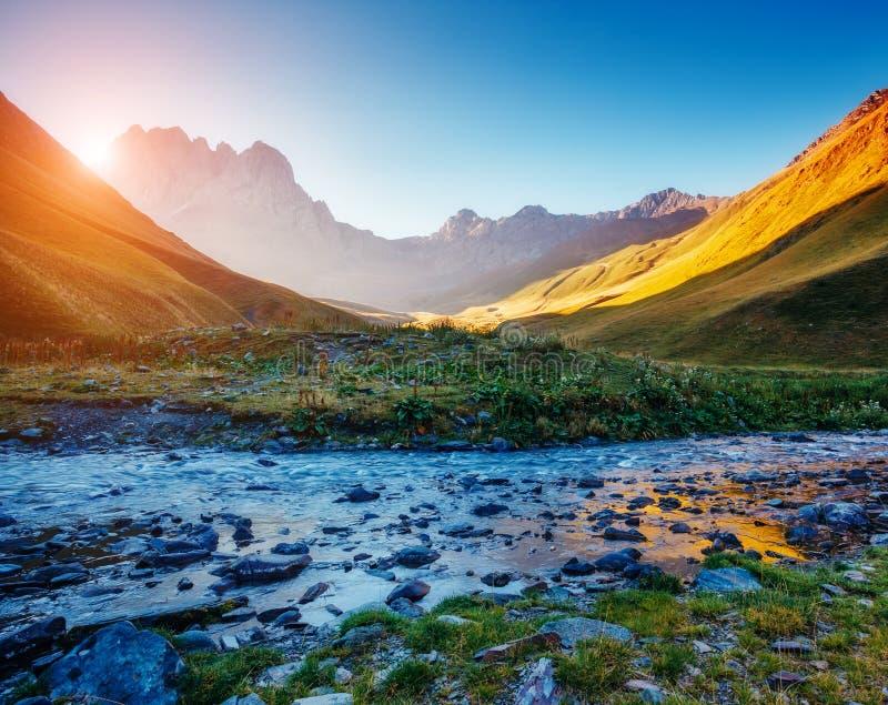 山的美丽如画的看法 免版税图库摄影