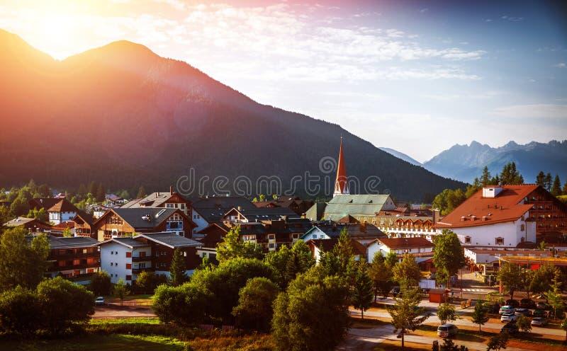 山的美丽的城市 免版税库存图片