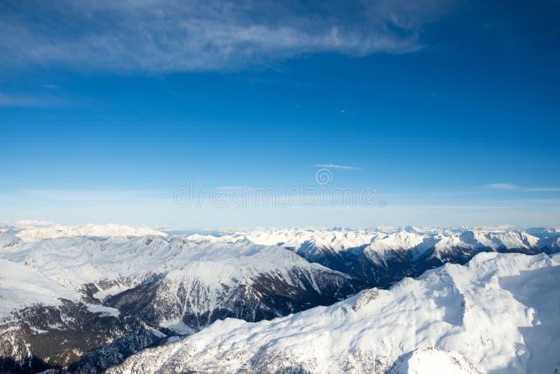 从山的顶端惊人的看法 库存图片