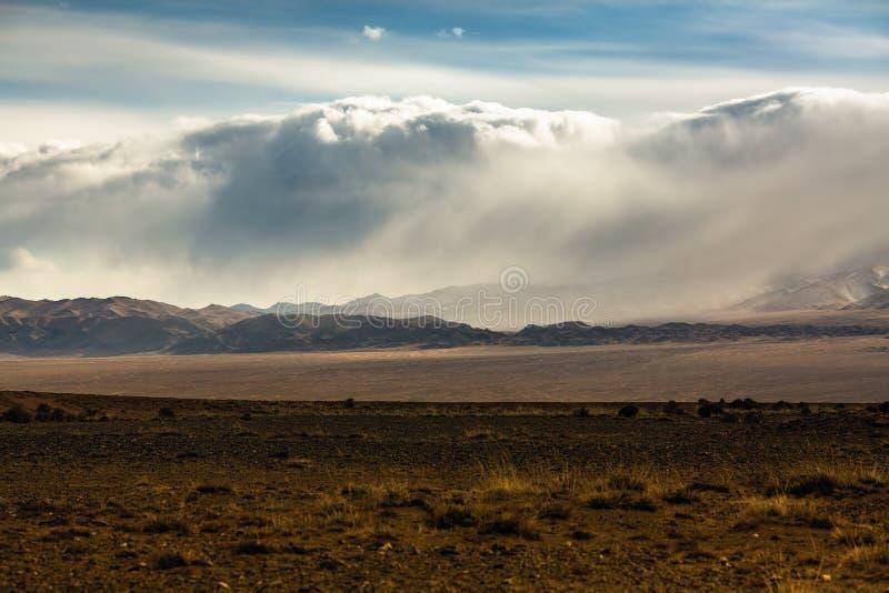 山的风景在瓦剌的 自然 免版税库存照片