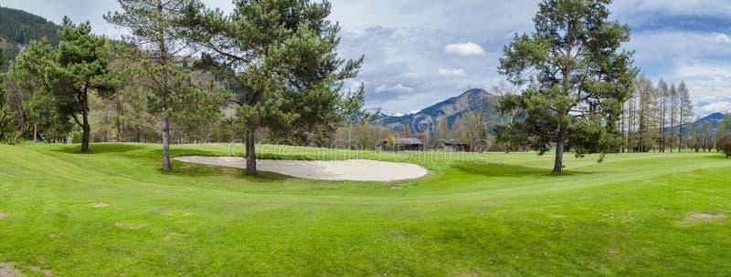 Download 山的高尔夫球场 库存图片. 图片 包括有 高尔夫球运动员, 高尔夫球, 路线, 打高尔夫球的, 业余爱好 - 72355667