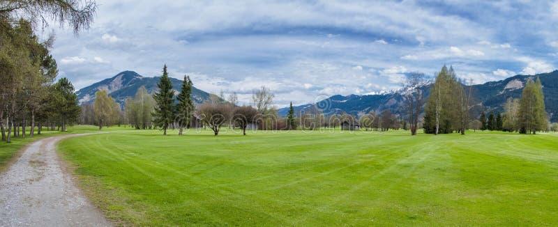 Download 山的高尔夫球场 库存照片. 图片 包括有 全景, 女演员, 高尔夫球, 俱乐部, 子弹带, 漏洞, 生活方式 - 72356290