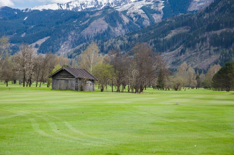 Download 山的高尔夫球场 库存图片. 图片 包括有 室外, 地堡, 乡下, 路径, 高尔夫球, 全景, beautifuler - 72357731