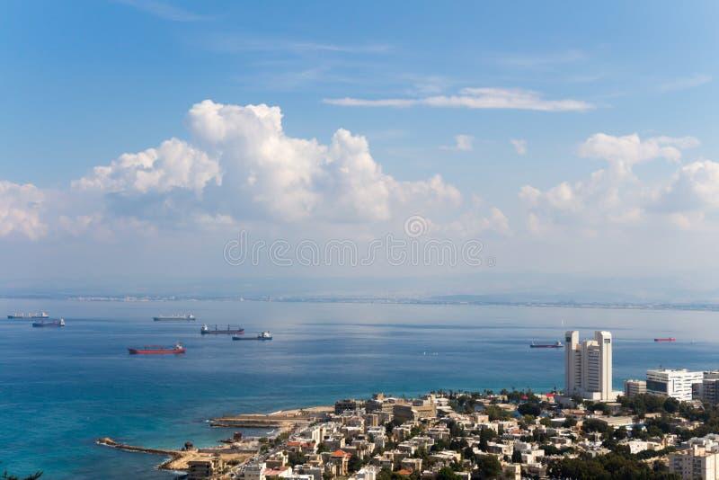 从山的Seaview 都市风景 海法 库存照片