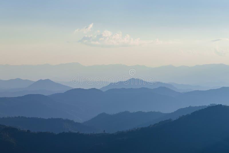 山脉层数  库存图片