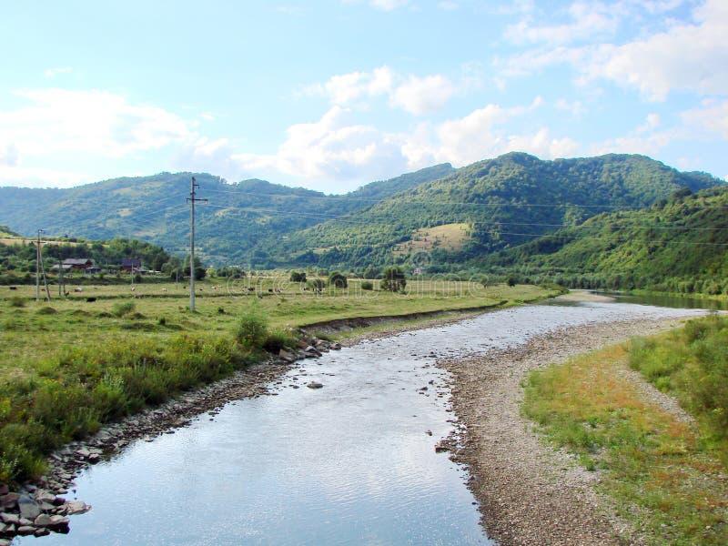 山脉` Skolivski Beskydy `在Skole附近镇的乌克兰喀尔巴汗在利沃夫州地区 乌克兰 图库摄影
