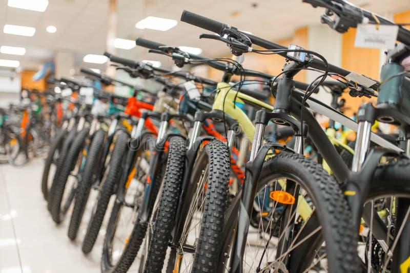 山自行车行在体育的购物,没人 库存照片