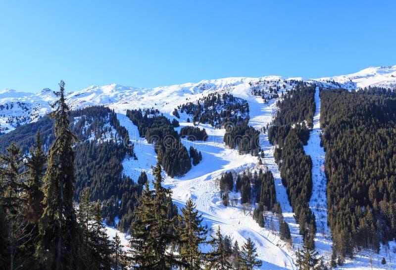 Download 山雪冬天 Meribel滑雪胜地, Meribel别墅 库存图片 - 图片 包括有 本质, 组塑: 72367517