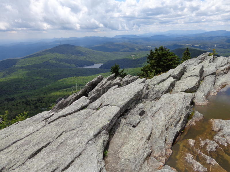 山顶峭壁 库存图片