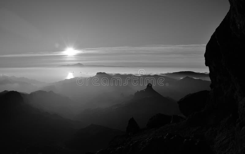 山,加那利群岛剪影在日落的 免版税库存图片