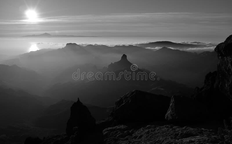 山,加那利群岛剪影在日落的 免版税库存照片
