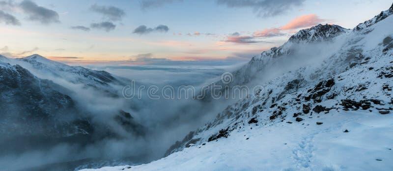 山,旅行,自然,雪,云彩 库存图片