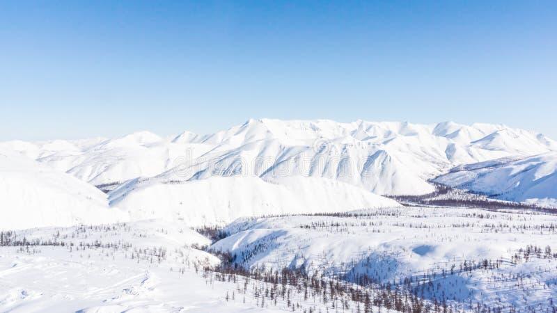 山,早晨,冬天,雪风景 库存照片