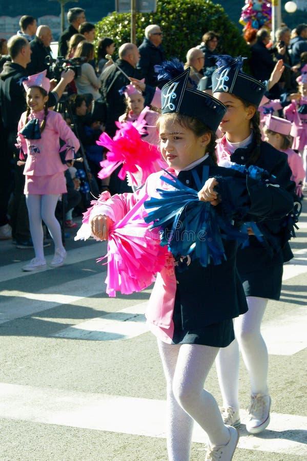 黑山,科托尔- 03/13/2016 :小组从俱乐部Alisa的军乐队女队长 库存图片