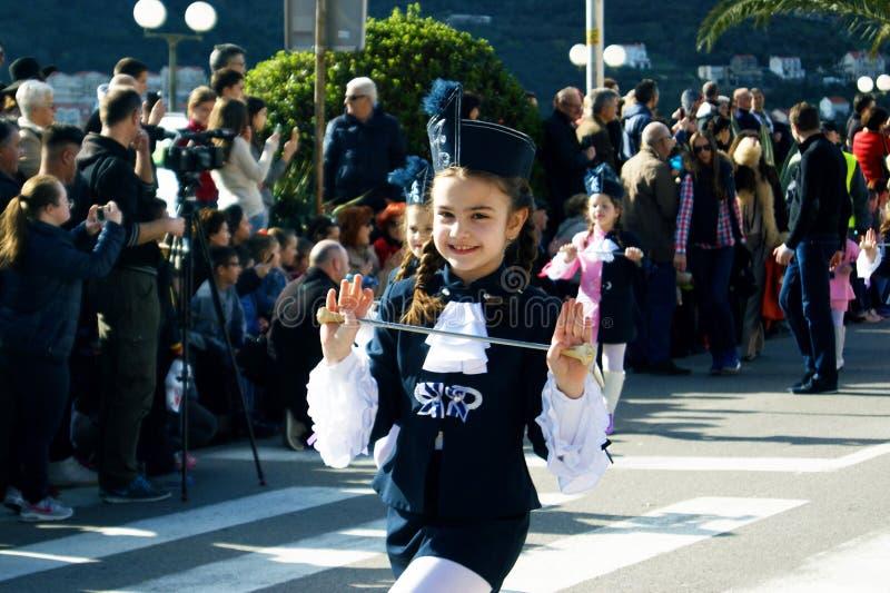 黑山,科托尔- 03/13/2016 :从俱乐部Alisa的军乐队女队长 免版税图库摄影