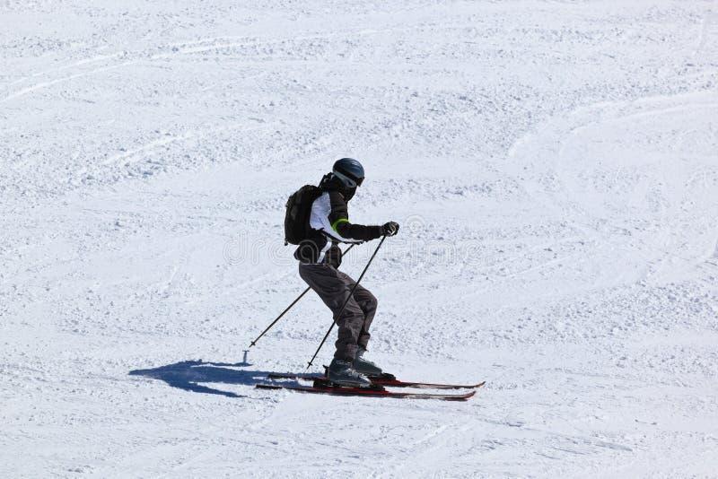 山滑雪胜地的因斯布鲁克-奥地利滑雪者 库存照片