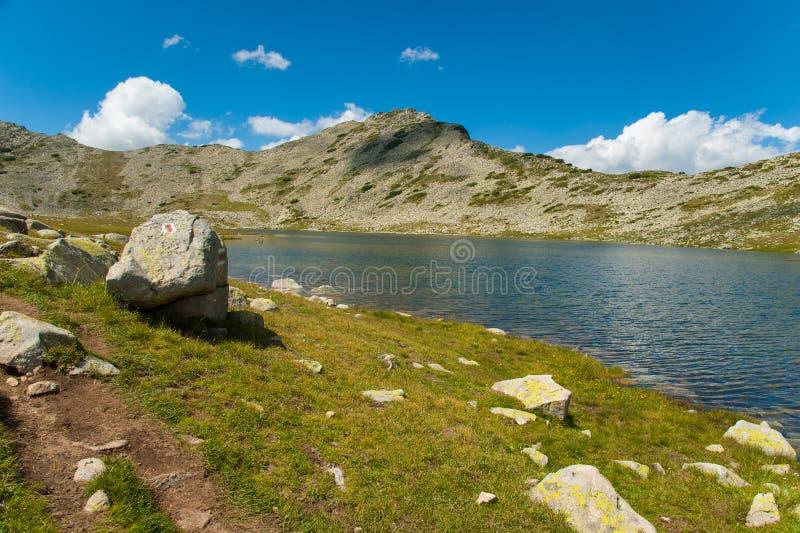 山Pirin Tevno湖风景 图库摄影