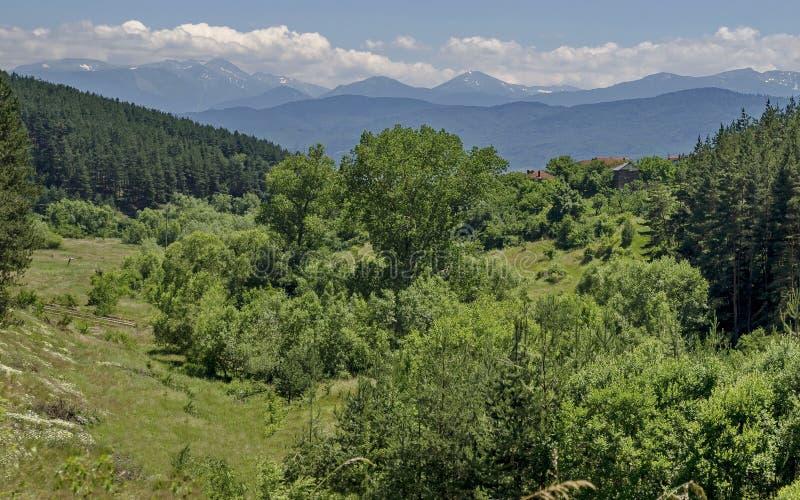 山Plana和美丽的村庄Alino 库存照片