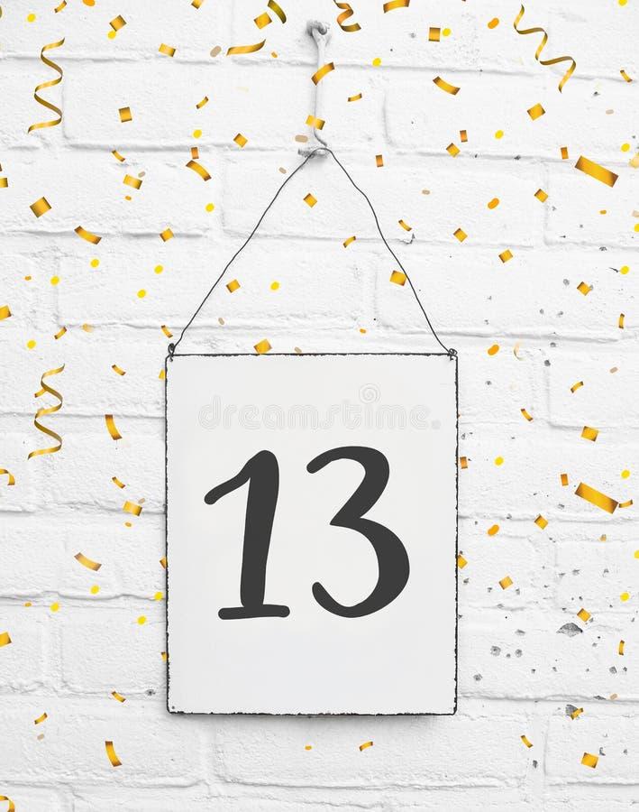 13岁与第十三的生日聚会卡片与golde 免版税图库摄影