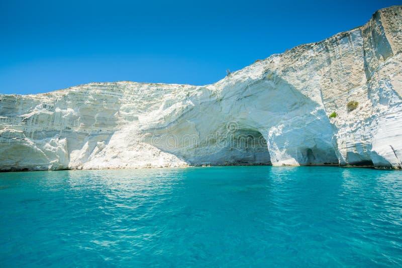 海�:#k�.&_岩层和海洞在kleftiko海岸线芦粟的, gr. 视图, beautifuler.