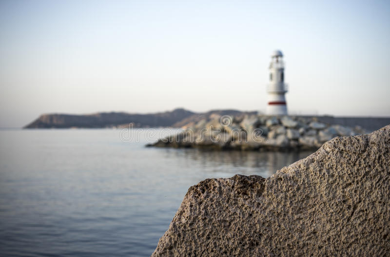 Download 岩石、灯塔和希腊海岛 库存图片. 图片 包括有 海运, 海岛, 安静, 岩石, 火鸡, 横向, 射击, 风景 - 62532379
