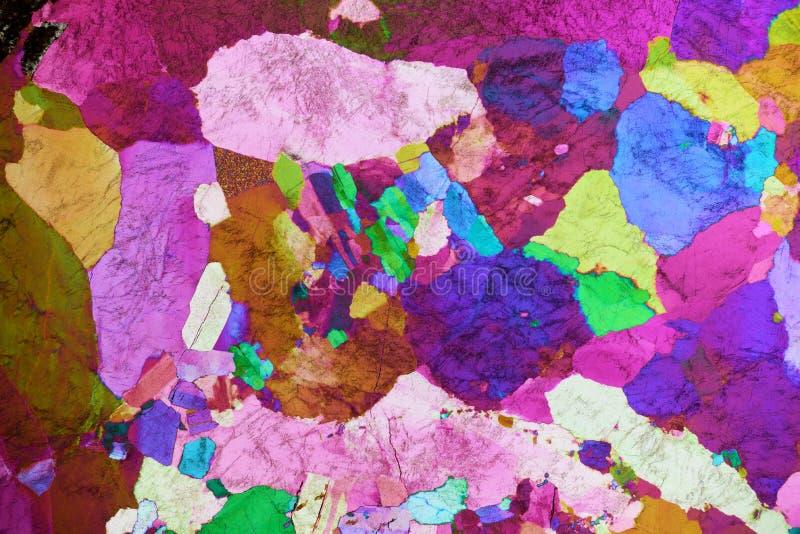 岩石五颜六色的微水晶在偏光的 图库摄影