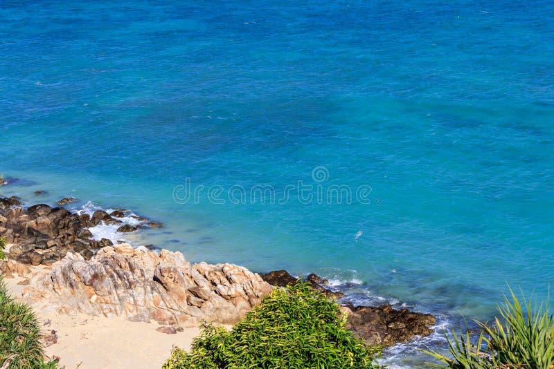 Download 岩石和沙子在Lipe海岛,泰国 库存照片. 图片 包括有 海景, 蓝色, beautifuler, 石头 - 72361682