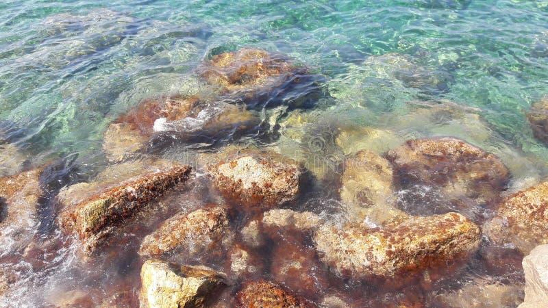 岩石在地中海 库存照片