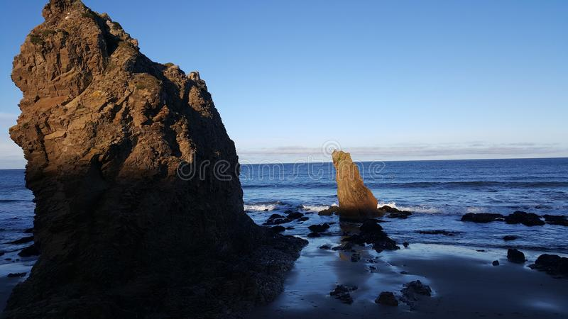 岩石在海边 库存图片