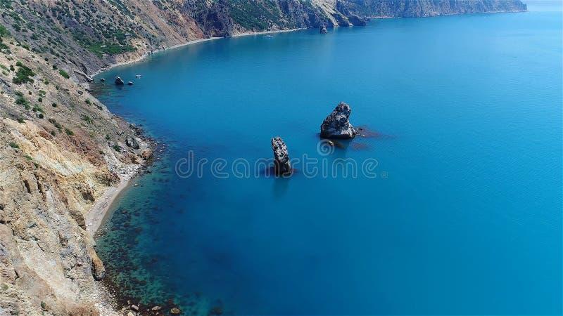 岩石在海,美丽的景色 图库摄影